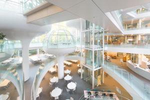 成蹊大学 情報図書館