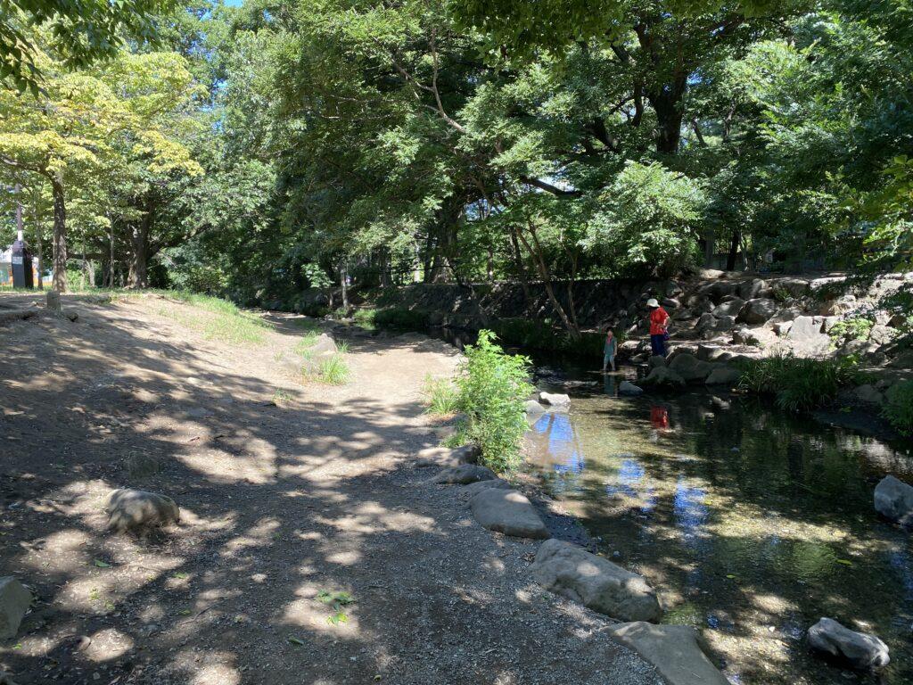 三角公園川