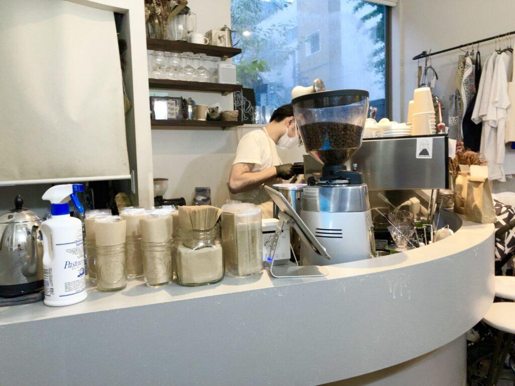 Ryumon Coffeestandの1F内観